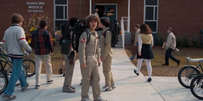 landscape-1486384286-stranger-things-season2-trailer-ghostbusters-reference